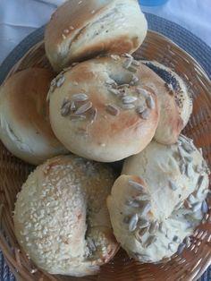 Bagels à la Cynthia Barcomi | Süsse Bisschen by Steffi Cake Pops, Macarons, Bagels, Cupcakes, Hamburger, Muffins, Kuchen, Baking Buns, Breads