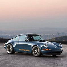 Singer Porsche 911 Perhaps this is the bet of Singer's reimaginings Porsche 356, Singer Porsche, Singer 911, Porche 911, Porsche Cars, Porsche Carrera, Porsche Classic, Classic Cars, Rolls Royce