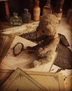 今夜はちょっと調べもの  #deco #rustic #brocante #antique #interior #vintage  #shabbychic #oldstyle #antiques #frenchstyle #decoration #ancien #antiqueshop #lovelyvintage #homedeco #shabby #retro #art #bear #doll #teddybear #teddy #shop #photoofday #love #lovely #handmade by brocante_de_la_cocotte