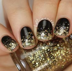 Stunning Glitter Nail Designs Glitter nail art designs have become a constant favorite. Almost every girl loves glitter on their nails. Glitter nail designs can give that extra edge to your nails and brighten up the move and se… Nail Designs 2017, New Years Nail Designs, Black Nail Designs, Short Nail Designs, Art Designs, Coffin Nails, New Years Eve Nails, Nutrition Education, Gold Glitter Nails