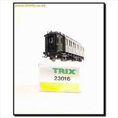 MINT TRIX 23016 - Royal Bavarian K.Bay.Sts.B. 6 Wheel, 1st & 2nd Passenger Coach on eBid United Kingdom