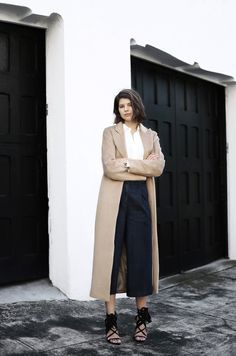 Dress on the go with those uber stylish culottes paired with that long trench. And did you see those gorgeous tie-ups?