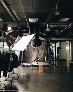 Great BTS @thomas_lecheler!! ------------ Repost @thomas_lecheler: prepared...lookbookshooting for @strellson @eda.elsa @_stabedyou_ Added by us: #behindthescenes #bts #backstage #studiosetup #fashion #fashionphotography #profoto #briese #famousbtsbriese #famousbtsmagazine #famousbtsmag
