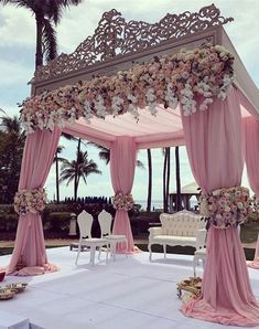 We are simply stunned by these incredible wedding decorations 💗 Double tap if this could be your dream wedding decor … ⠀ Decor by Event planner Source Wedding Goals, Wedding Themes, Wedding Colors, Wedding Planning, Wedding Designs, Wedding Flowers, Wedding Stage Design, Decor Wedding, Wedding Mandap
