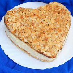 Low Carb Bee Sting Cake – pilotmadeleine – Famous Last Words Low Carb Diet Plan, Low Carb Keto, Low Carb Recipes, Healthy Recipes, Low Carb Deserts, Low Carb Sweets, Bienenstich Recipe, Bee Sting Cake, Bolos Low Carb
