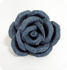 Tutorial & creative recycling: rose made of jeans! would be great on a hair clip...