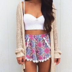 Cute summer outfit. Girly. Cropped top so cute.