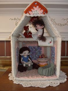 Crochet doll house