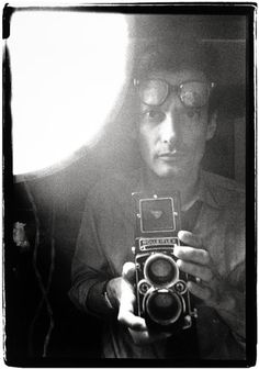 Richard Avedon self portrait with Rolleiflex TLR camera
