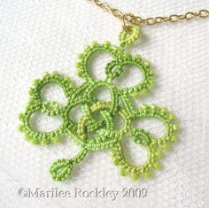 Free Celtic knot shamrock pattern from Yarnplayer's Tatting blog.