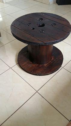 Mesa de un Carrete de madera #DIY #JeffySaip Diy, Wood Spool, House Decorations, Hipster Stuff, Bricolage, Do It Yourself, Fai Da Te, Diys