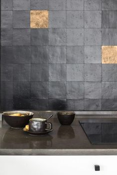 Stunning combination 😍 Sand cast tiles in Aged Iron (VO) combined with Raw Bronze (RB) (Pure Tiles collection) Designed by Nicky Goossens. Wabi Sabi, Interior Design Inspiration, Home Decor Inspiration, Kitchen And Bath, New Kitchen, Kitchen Interior, Kitchen Decor, Küchen Design, House Design
