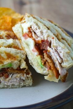 Turkey Bacon Avocado Paninis - It has been one of those kind of weeks. Last Monday, a familiar but most unwelcome acquaintance set - Slider Sandwiches, Panini Sandwiches, Grilled Sandwich, Gourmet Recipes, Cooking Recipes, Healthy Recipes, Gourmet Foods, Tofu Recipes, Wrap Recipes