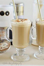 A következő recept nagyon egyszerű és ami jó benne, hogy nem is gondolnánk milyen gyorsan összehozható. Mélyhűtőből előkapjuk a fagyit, egy... Cookie Cups, Coffee Break, Yummy Drinks, Latte, Juice, Beverages, Muffin, Food And Drink, Cooking Recipes