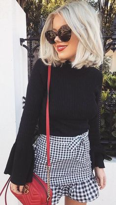 Fall Outfit Ideas That Are Inspiring : Black Top + Checked Skirt + Red Shoulder Bag Cute Summer Outfits, Spring Outfits, Winter Outfits, Casual Outfits, Cute Outfits, Fashion Outfits, Womens Fashion, Fashion Trends, Style Fashion