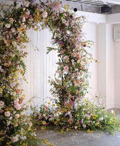 Arc Floral, Floral Arch, Floral Foam, Wedding Ceremony Backdrop, Ceremony Decorations, Wedding Arches, Wedding Arch With Flowers, White Wedding Arch, Metal Wedding Arch