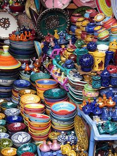 Morrocan pottery - I wanna go shopping here!!  Repinned by www.loisjoyhofmann.com
