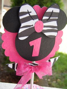 """minnie zebra cupcake toppers....instead do for """"happy bday"""" wall???"""