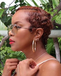 When I rocked red ❤️ Cute Curly Hairstyles, Creative Hairstyles, Braided Hairstyles, Curly Hair Styles, Natural Hair Styles, Gray Hairstyles, Short Sassy Hair, Short Hair Cuts, Pixie Cuts