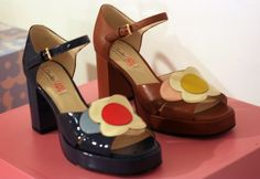 70s Shoes, Funky Shoes, Sock Shoes, Pretty Shoes, Cute Shoes, Me Too Shoes, Aesthetic Shoes, Aesthetic Clothes, Retro