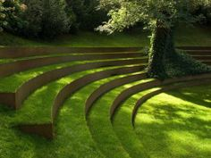 Green stepped ampitheatre style garden