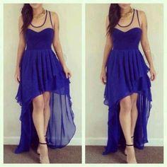 ec342ce15 me gusta mucho el color y el diseño del vestido. Vestidos Azules