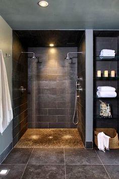 Olá perfects,   Como ando numa onda de pesquisar acabamentos para casas de banho ando aqui num dilema. Optar por colocar só uma zona de chuv...
