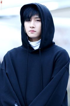 Lim Chang-kyun (임창균) also known mononymously as I.M. (아이엠) of MONSTA X (몬스타엑스) at Music Core fanmeeting on 3/25/17. || Credit goes to I'M INSANE.