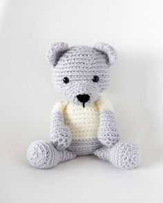 Kijk wat ik gevonden heb op Freubelweb.nl: een gratis haakpatroon van LeeLee Knits om deze schattige beer te maken https://www.freubelweb.nl/freubel-zelf/gratis-haakpatroon-beer-3/
