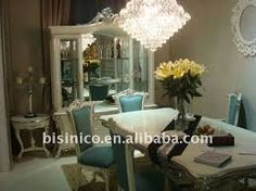 Resultado de imagem para cadeiras classicas para mesa de jantar
