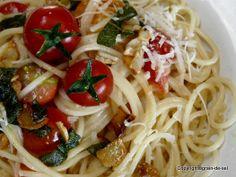 grain de sel - salzkorn: Spaghetti mit Knoblauch-Sablei-Sauce