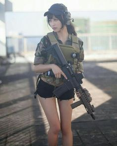 Amazing WTF Facts: Cute Asian Girls With Guns - Japanese Cosplay Armed Schoolgirls Military Women, Military Fashion, Golf Fashion, Cute Asian Girls, Cute Girls, Poses, Gunslinger Girl, Warrior Girl, Female Soldier