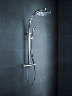 """El diseño y el ahorro energético con un rociador de ducha con termostato, """"Oblo""""."""