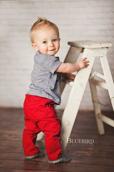 outfit idea - love the red and grey and little mohawk!