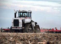 Big Bud Old John Deere Tractors, Big Tractors, Farmall Tractors, Track Pictures, Farm Pictures, Antique Tractors, Vintage Tractors, Logging Equipment, Heavy Equipment
