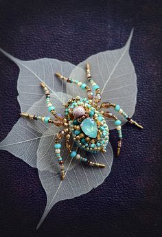 Spider Jewelry, Turquiose Spider Brooch, Spider Pin, Insect Jewelry, Statement Jewelry, Steampunk Victorian Jewifrelry, Unique Gifr for Her