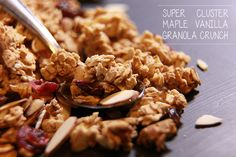 This recipe is gluten free, naturally sweetened, and can be made paleo by omitting the agave. I finally got a handle on super cluster crunchy granola. It has eluded me for a long time. I've tried everything from eggs, to over baking, nothing worked until now.But I finally came up with a recipe that has… Crunchy Granola, Healthy Food, Healthy Recipes, Eat Right, My Recipes, Vanilla, Good Food, Paleo, Gluten Free