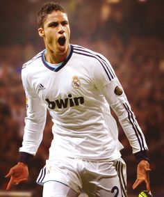 Want To Learn How To Play Football? Have you ever played football or watched a game before? Real Madrid Football Club, Real Madrid Players, Football Icon, Football Is Life, Best Football Team, World Football, Soccer Guys, Football Players, Psg