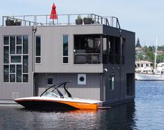houseboat floating house