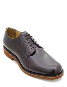 Scarpa stringata modello  Derby realizzata in pelle di vitello colore  marrone. Tomaia completamente liscia 73cb4794ce6