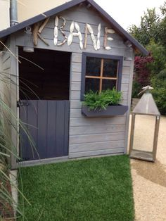 maisonnette enfant bois Garden Pool, Kids House, Play Houses, Home Projects, Playground, Pergola, Sweet Home, Shed, Backyard