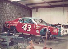 Nascar Race Cars, Old Race Cars, Richard Petty, King Richard, Racing Team, Auto Racing, Dirt Racing, Kyle Petty, Race Engines