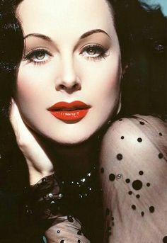 The stunningly beautiful Hedy Lamarr (born Hedwig Eva Maria Kiesler, 9 November 1914 – 19 January was an Austrian and American film actress and inventor of radio guidance technology. Old Hollywood Glamour, Golden Age Of Hollywood, Vintage Glamour, Vintage Hollywood, Hollywood Stars, Vintage Beauty, Classic Hollywood, Classic Actresses, Hollywood Actresses