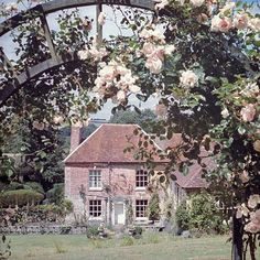 "theladyintweed: ""Cecil Beaton's House """