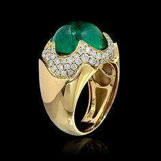 Mousson atelier, collection Caramel, ring, Yellow gold 750, Emerald 7,02 ct., Diamonds