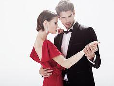 Zastanawiasz się, co kupić żonie na rocznicę ślubu? Szukasz oryginalnego prezentu dla żony, który będzie wyjątkowym upominkiem na rocznicę Waszego ślubu? Zastanawiałeś się nad prezentem dla dwojga? Może powinniście spędzać razem odrobinę więcej czasu? Jeżeli ta myśl Cię zaintrygowała, czytaj dalej i rozważ opcję prezentowego vouchera na kurs tańca dla dorosłych. Bo do tańca trzeba…