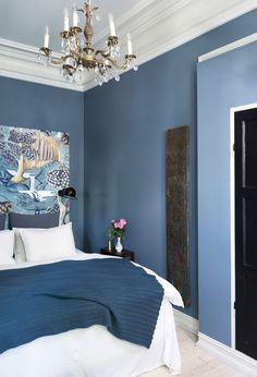 Most Design Ideas Blue Bedroom With Gray Nightstand Pictures, And Inspiration – Modern House Blue Bedroom Paint, Blue Bedroom Decor, Bedroom Colors, Home Bedroom, Bedroom Ideas, Bedroom Furniture, Light Blue Rooms, Dark Blue Bedrooms, Feminine Bedroom