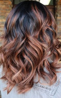 Copper Caramel Balayage Highlights on Dark Hair Looking for some this spring and summer? You need to check out these balayage highlight ideas, incorporating every part of this years hottest hair trends. Medium Hair Styles, Short Hair Styles, Medium Curly, Brown Wavy Hair, Medium Layered Haircuts, Layered Hairstyles, Layered Cuts, Fun Hairstyles, Brown Hairstyles