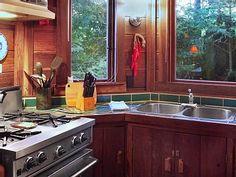 VRBO.com #633277 - Dreamcatcher: Romantic Mountainside Cabin, Views, Hot Tub, Deck, Gas Fireplace
