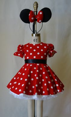Red and white polka dot dress, classic Minnie Mouse costume. Full skirt with black sash. Great for themed birthday party or just for fun. Mini Mouse Dress, Minnie Mouse Dress Up, Mickey Mouse Outfit, Red Minnie Mouse, Minnie Mouse Costume Toddler, Mini Mouse Costume, Minnie Mouse Halloween Costume, Princess Tutu Dresses, Disney Dresses